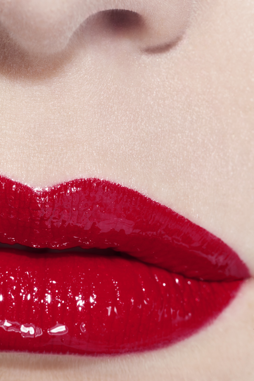 Application makeup visual 3 - LE ROUGE DUO ULTRA TENUE 47 - DARING RED