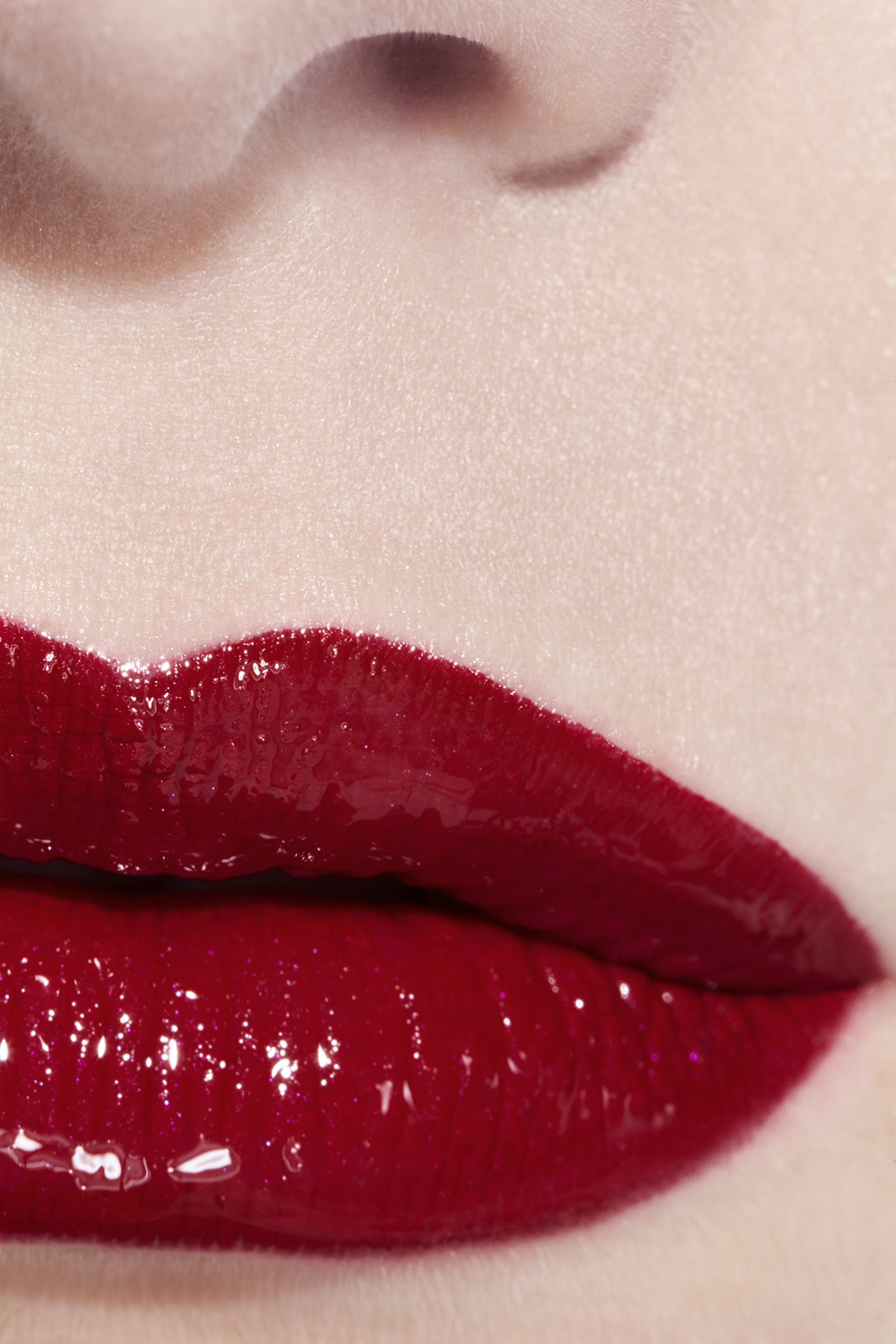 Application makeup visual 3 - LE ROUGE DUO ULTRA TENUE 49 - EVER RED