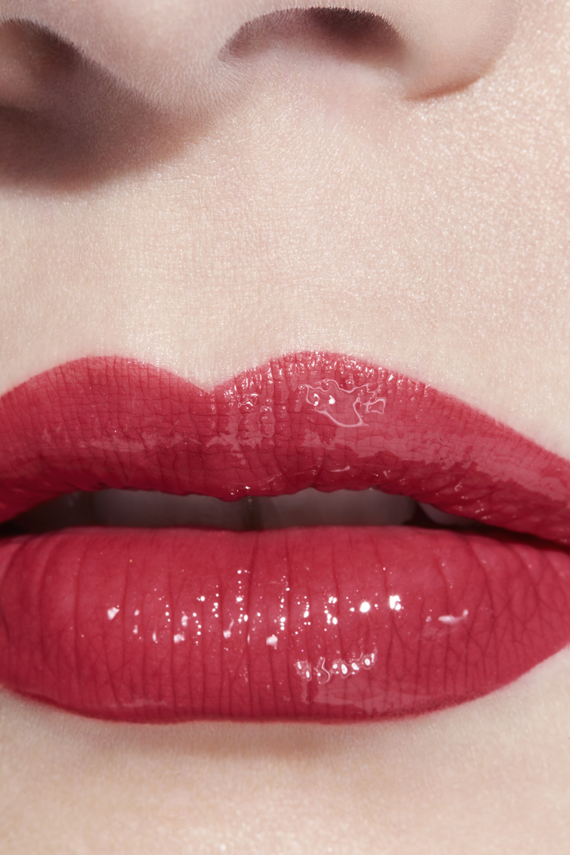Application makeup visual 3 - LE ROUGE DUO ULTRA TENUE 122 - SOFT CORAL