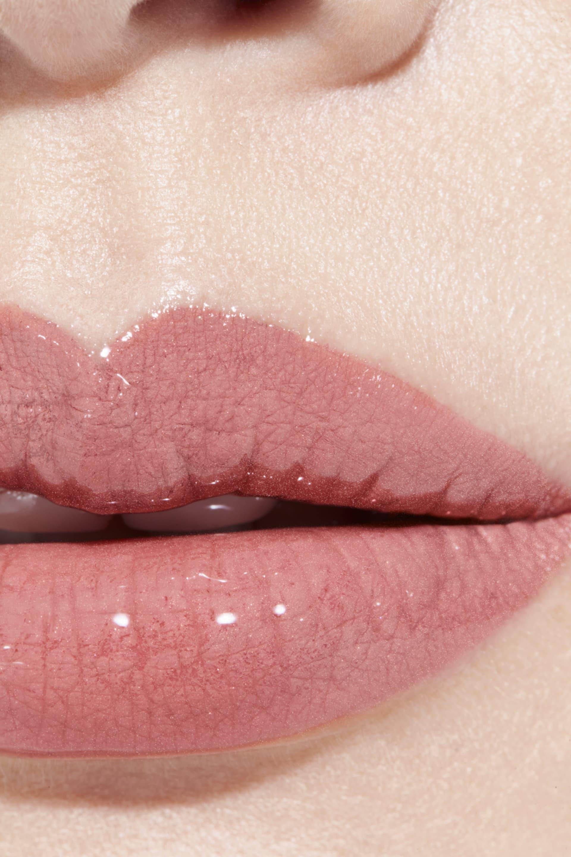 Anwendung Make-up-Bild 1 - LE ROUGE DUO ULTRA TENUE 164 - CHIC BEIGE