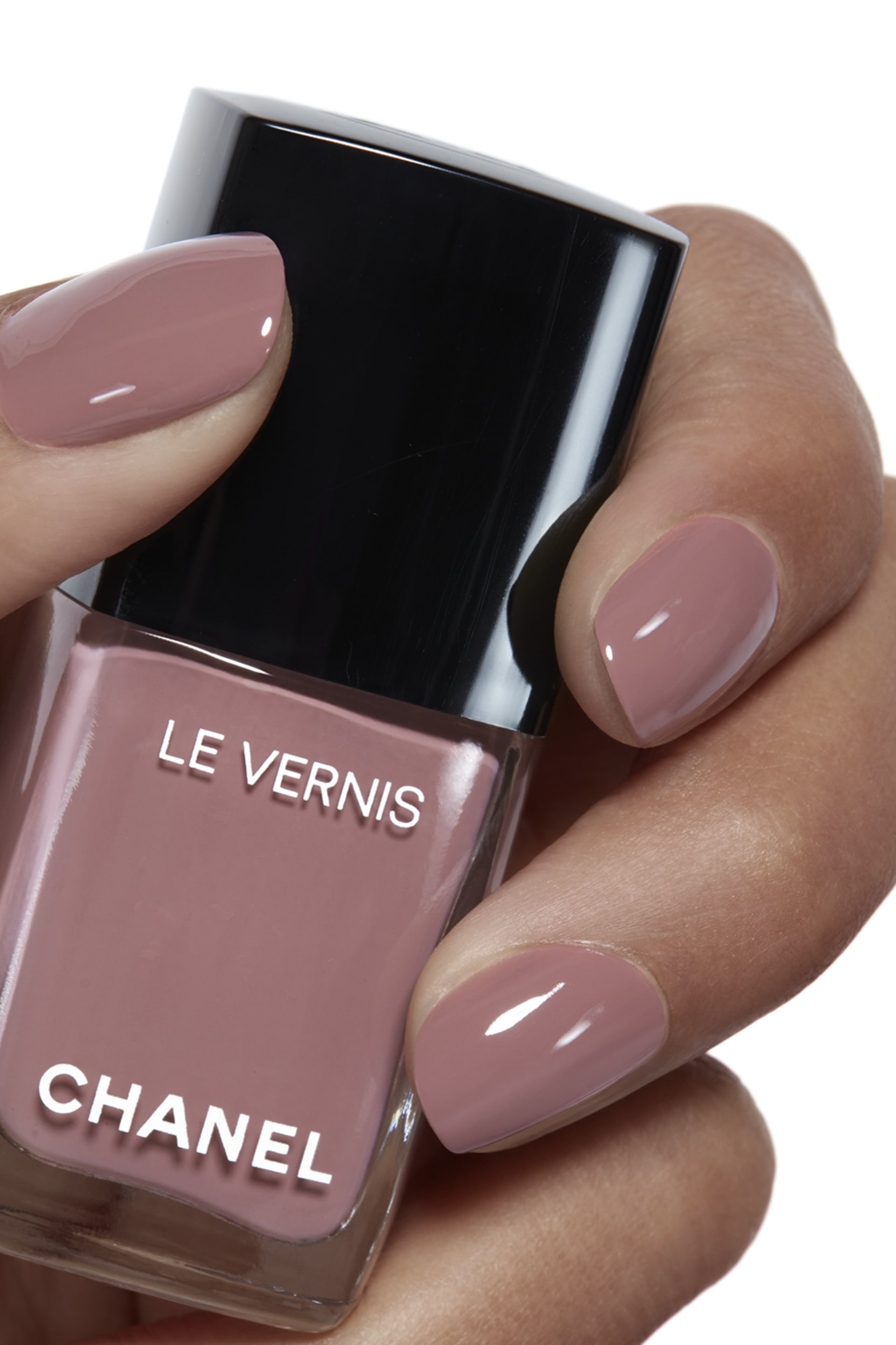 Application makeup visual 1 - LE VERNIS 612 - CHICNESS
