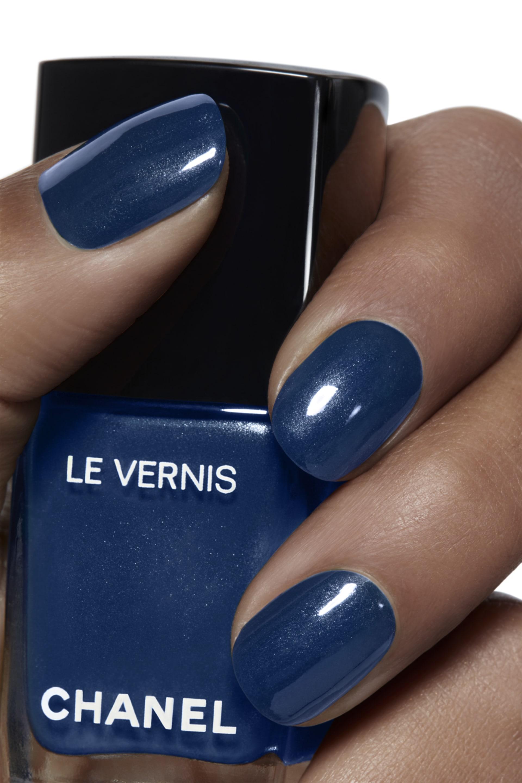 Application makeup visual 1 - LE VERNIS 725 - RADIANT BLUE
