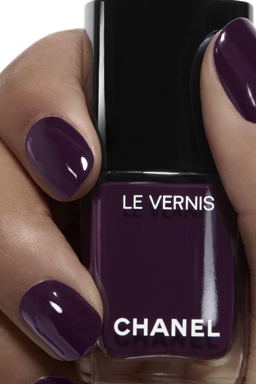 Application makeup visual 1 - LE VERNIS 628 - PRUNE DRAMATIQUE