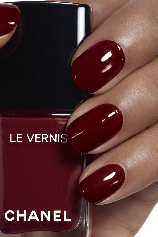 Application makeup visual 1 - LE VERNIS 765 - INTERDIT