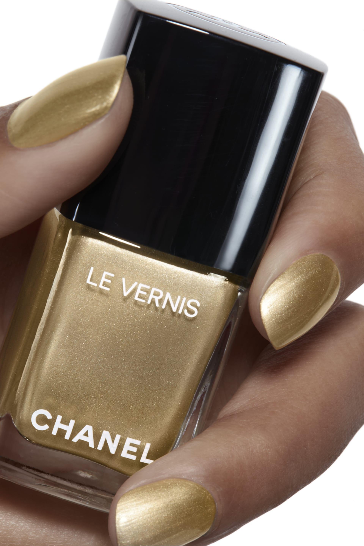 Application makeup visual 1 - LE VERNIS 773 - CHAÎNE D'OR