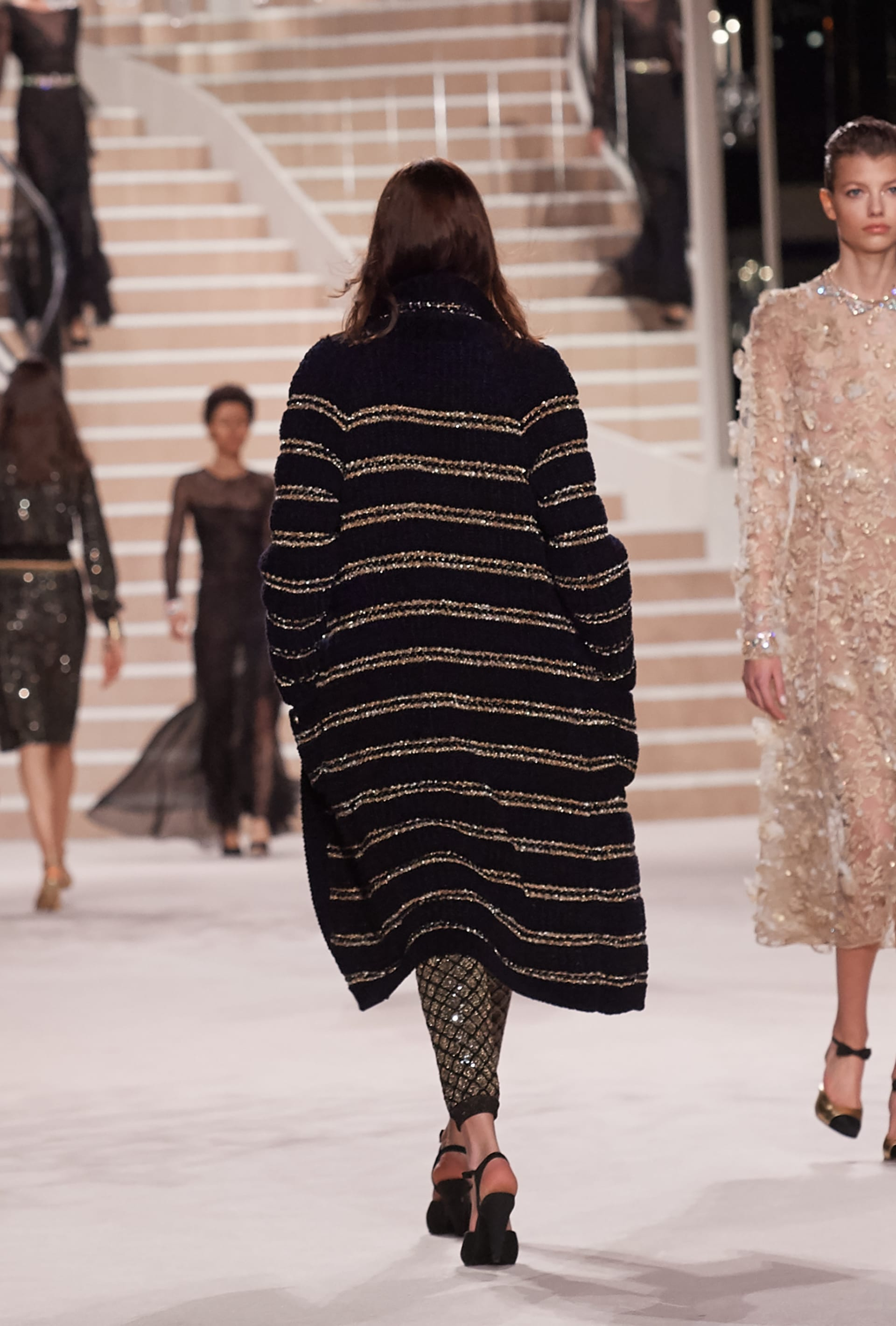 Image 3 - Look  47