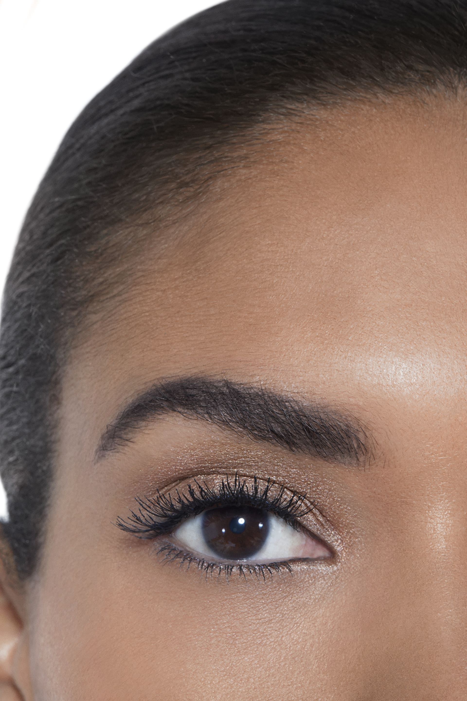 Пример нанесения макияжа 2 - OMBRE PREMIÈRE 802 - UNDERTONE