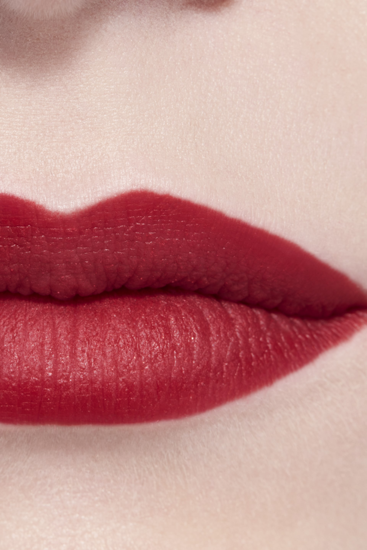 Imagen aplicación de maquillaje 3 - ROUGE ALLURE CAMÉLIA 627 - ROUGE ALLURE VELVET CAMÉLIA CARMIN