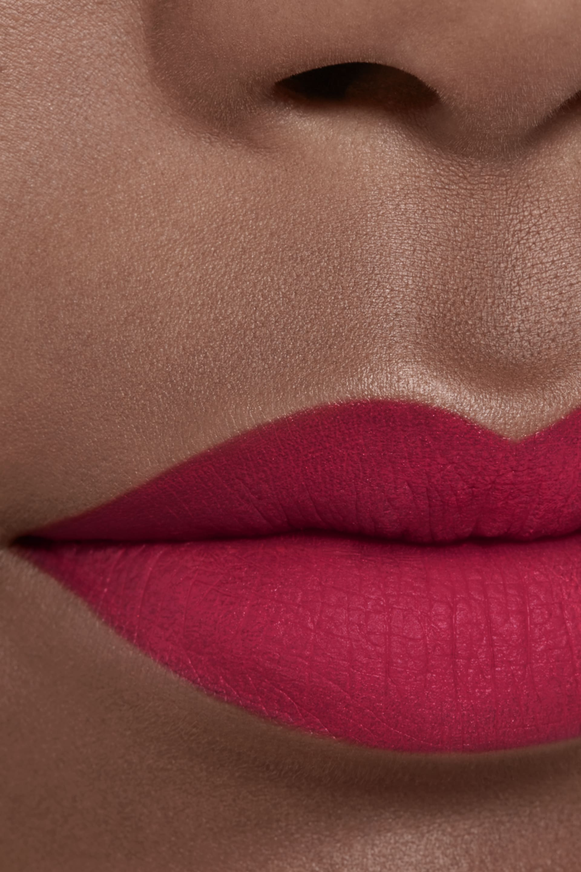 Imagen aplicación de maquillaje 2 - ROUGE ALLURE INK FUSION 812 - ROSE-ROUGE