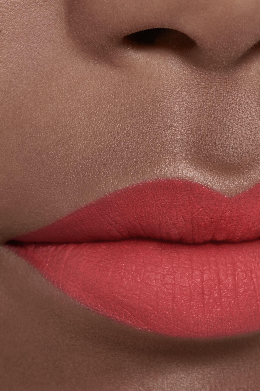 Application makeup visual 2 - ROUGE ALLURE INK FUSION 830 - FLEUR DE LOTUS