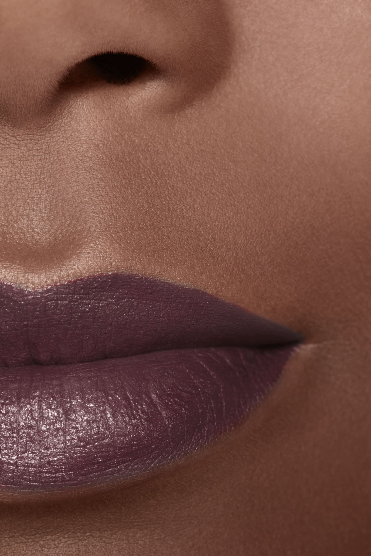 Application makeup visual 2 - ROUGE ALLURE INK 214 - METALLIC PLUM