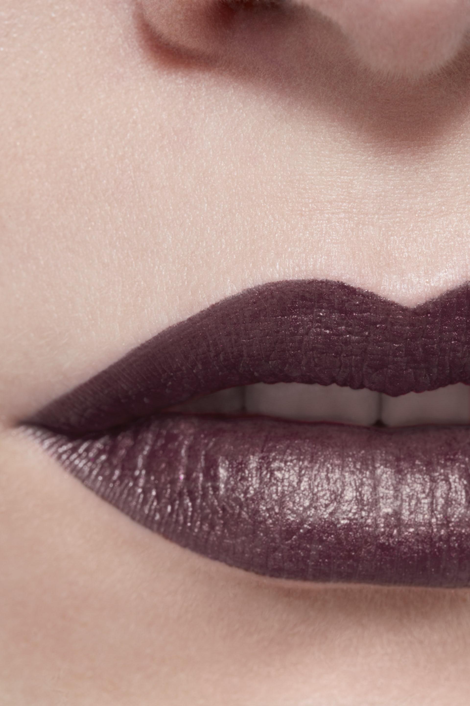 Application makeup visual 3 - ROUGE ALLURE INK 214 - METALLIC PLUM