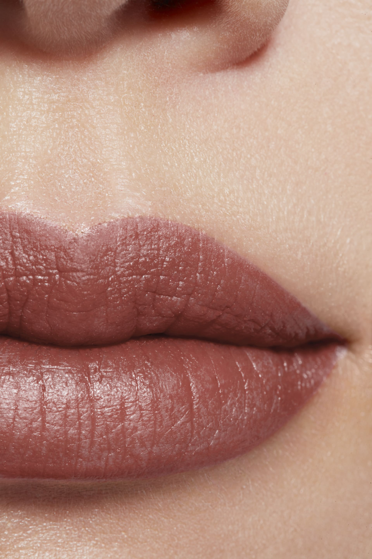 Imagen aplicación de maquillaje 1 - ROUGE ALLURE INK 224 - HARMONIE