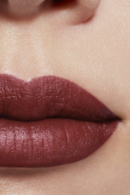 Imagen aplicación de maquillaje 1 - ROUGE ALLURE INK 226 - ROMANTIQUE