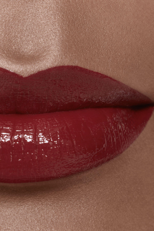 Application makeup visual 2 - ROUGE ALLURE LAQUE 74 - EXPÉRIMENTÉ