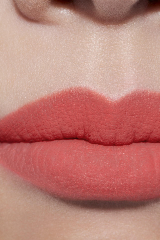 Application makeup visual 1 - ROUGE ALLURE LIQUID POWDER 952 - ÉVOCATION