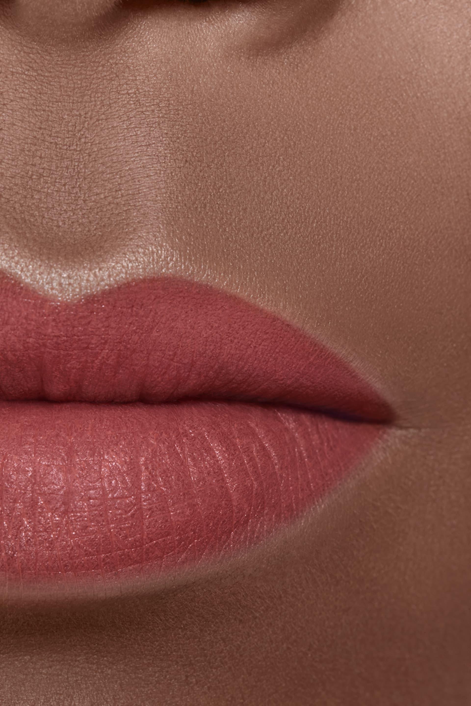 Application makeup visual 2 - ROUGE ALLURE VELVET 68 - ÉMOTIVE