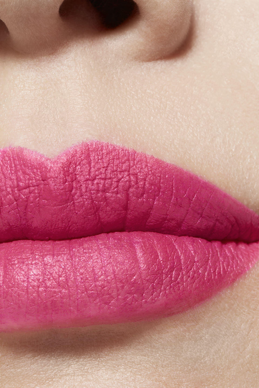 Application makeup visual 1 - ROUGE ALLURE VELVET 42 - L'ÉCLATANTE