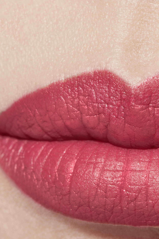 Application makeup visual 1 - ROUGE ALLURE VELVET 43 - LA FAVORITE