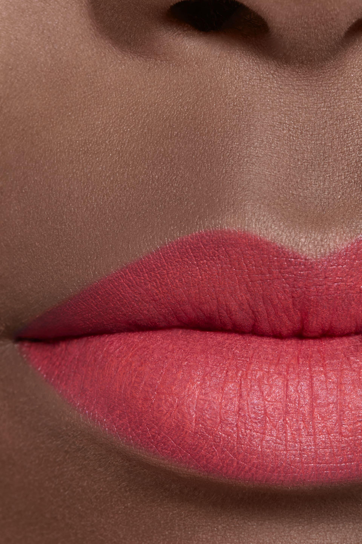 Application makeup visual 2 - ROUGE ALLURE VELVET 64 - FIRST LIGHT