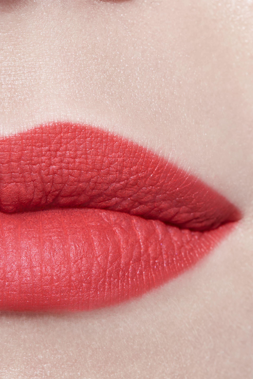 Application makeup visual 3 - ROUGE ALLURE VELVET 64 - FIRST LIGHT