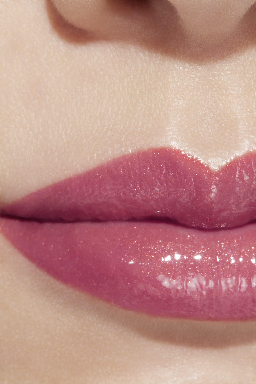 Application makeup visual 1 - ROUGE COCO FLASH 112 - EAU DE ROSE