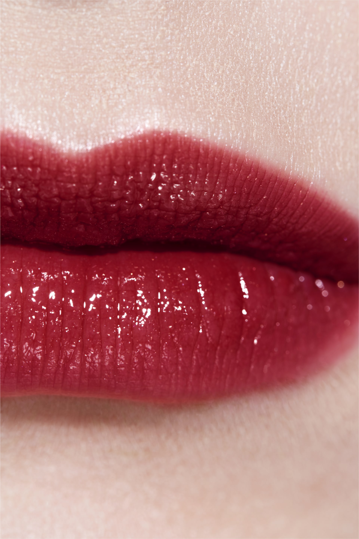 Application makeup visual 3 - ROUGE COCO FLASH 70 - ATTITUDE