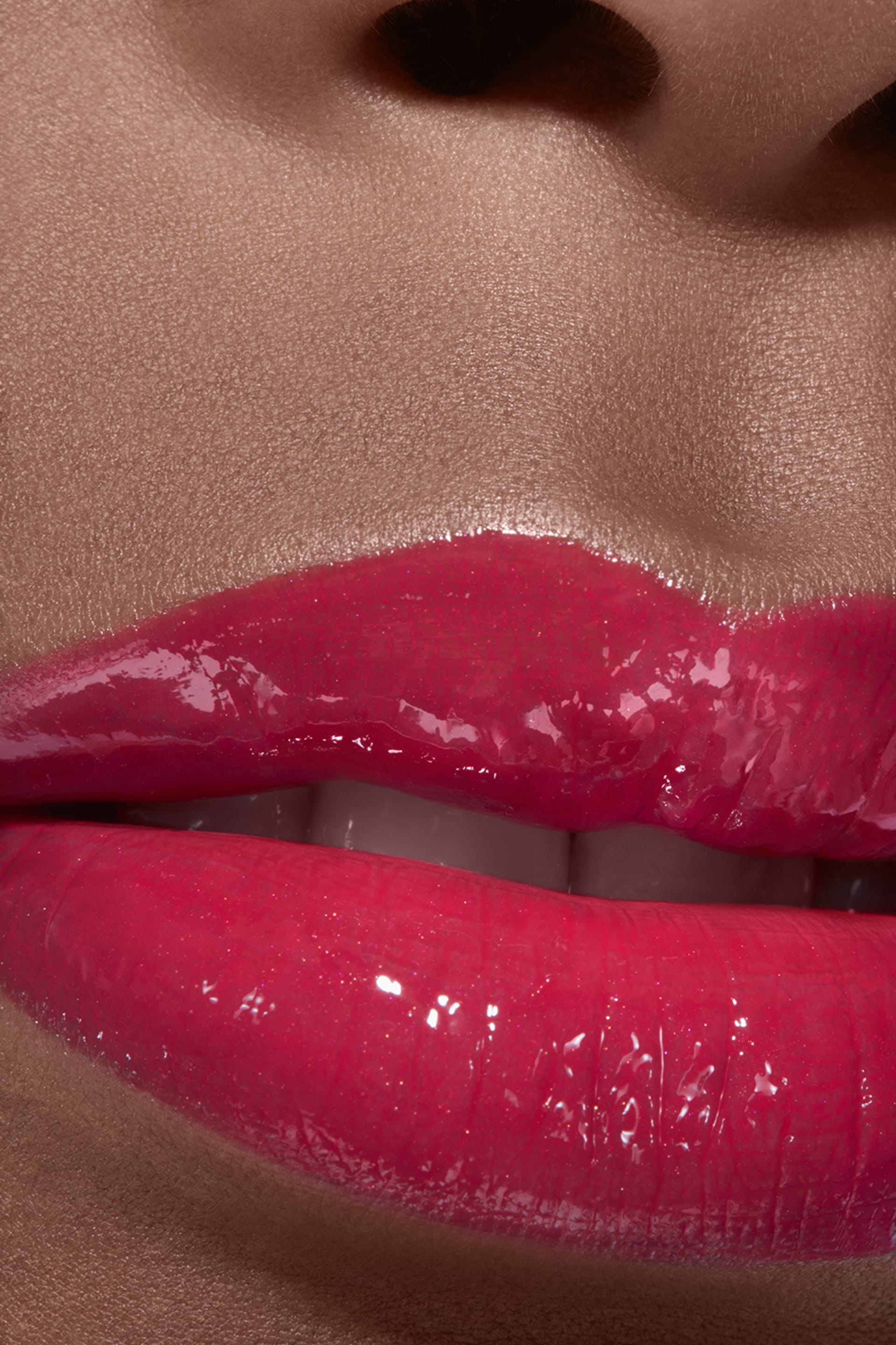 Application makeup visual 2 - ROUGE COCO GLOSS 756 - CHILLI