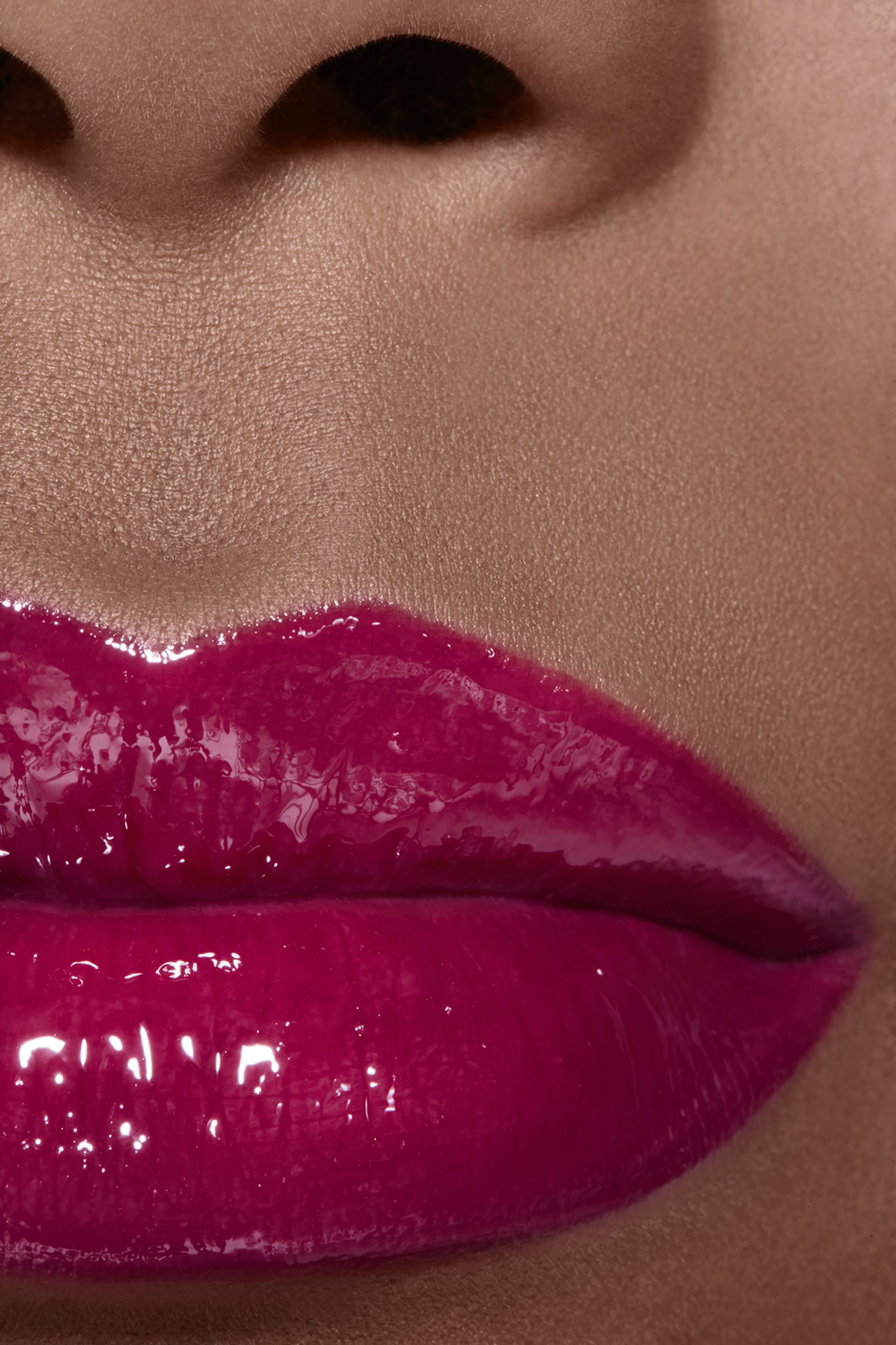 Application makeup visual 2 - ROUGE COCO GLOSS 766 - CARACTÈRE