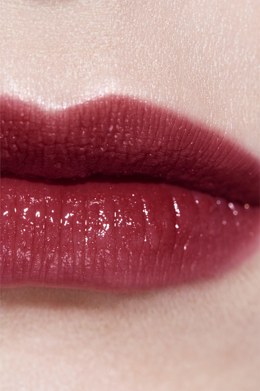 Application makeup visual 3 - ROUGE COCO SHINE 112 - TÉMÉRAIRE