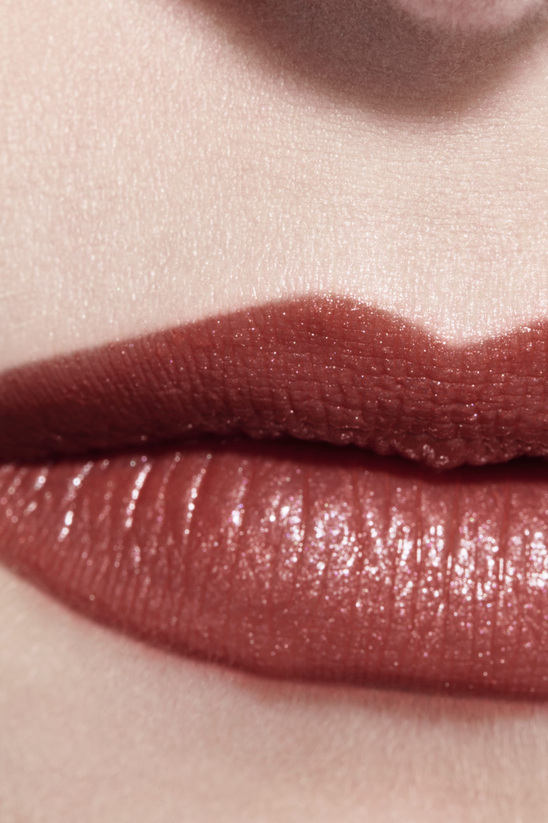 Application makeup visual 3 - ROUGE COCO 406 - ANTOINETTE