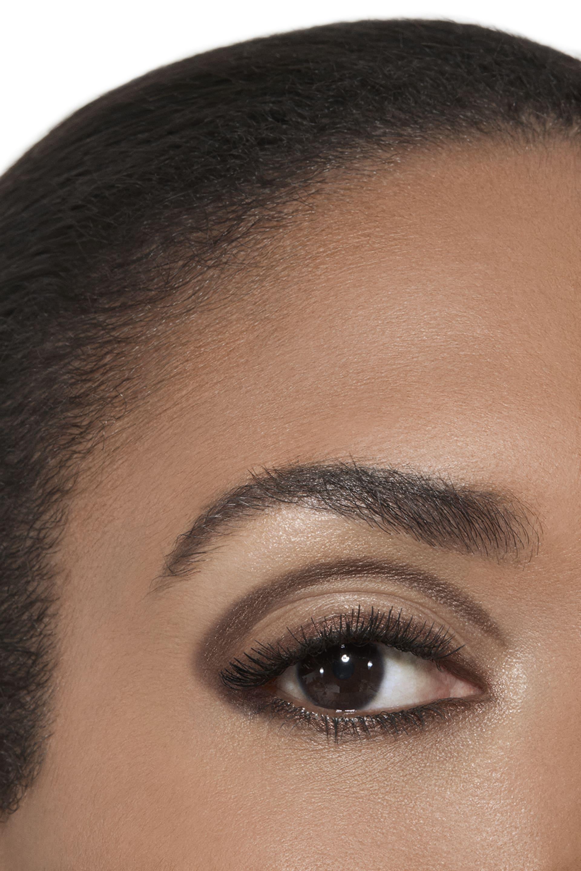 Application makeup visual 2 - Stylo Ombre et Contour 04 - ELECTRIC BROWN