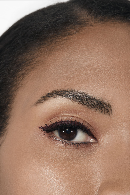 Application makeup visual 2 - STYLO OMBRE ET CONTOUR 08 - ROUGE NOIR