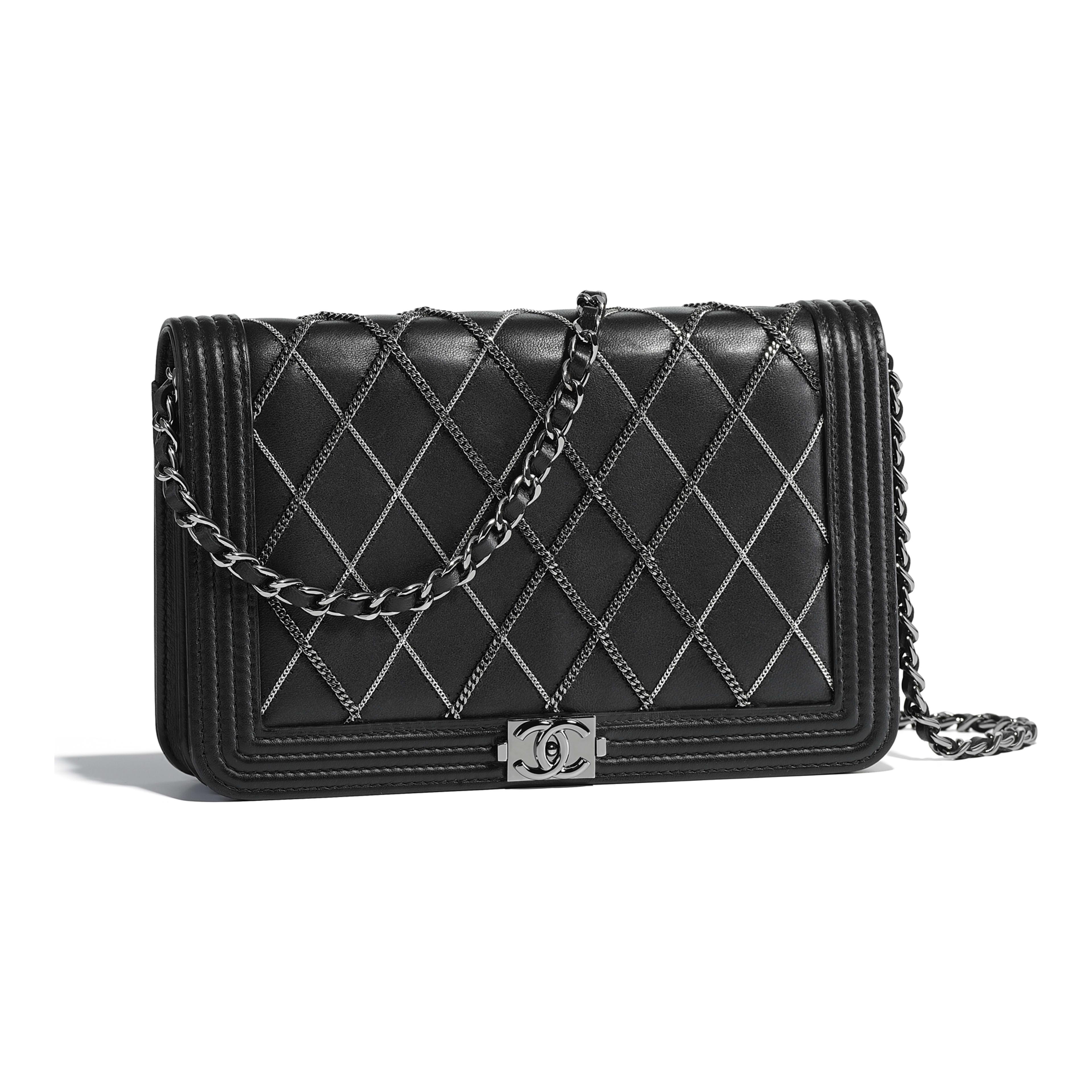 Boy Chanel Wallet On Chain