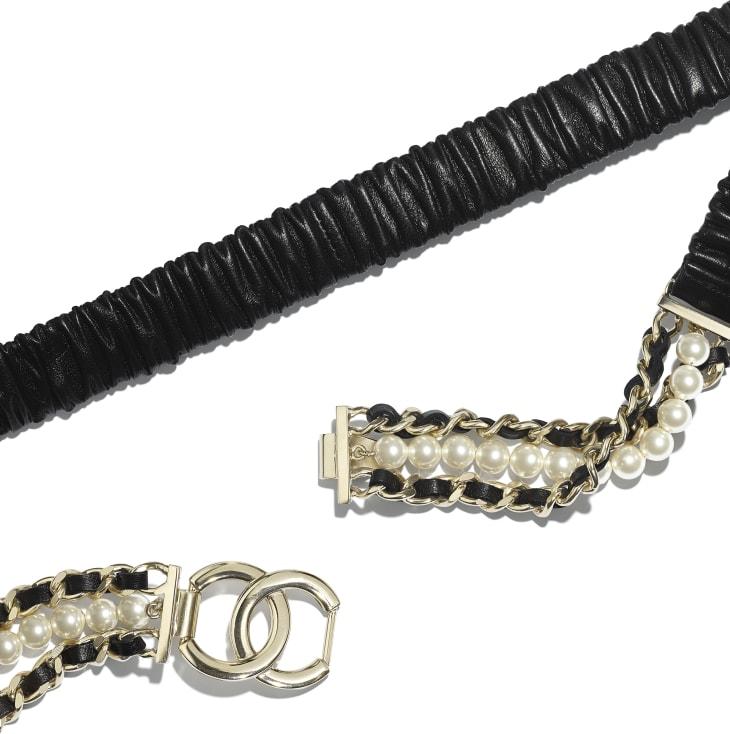 image 2 - Ceinture - Agneau, métal doré, perles de verre & strass - Noir