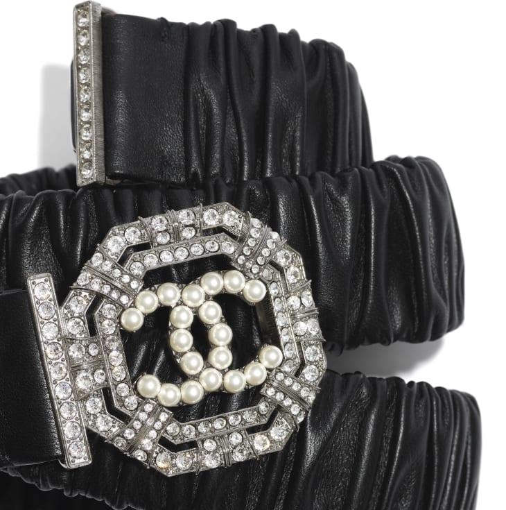 image 2 - Belt - Lambskin, Ruthenium-Finish Metal, Strass & Glass Pearls - Black