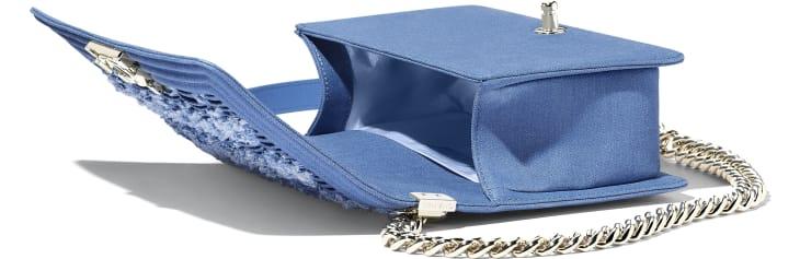 image 3 - Sac BOY CHANEL - Denim plissé & métal doré - Bleu clair