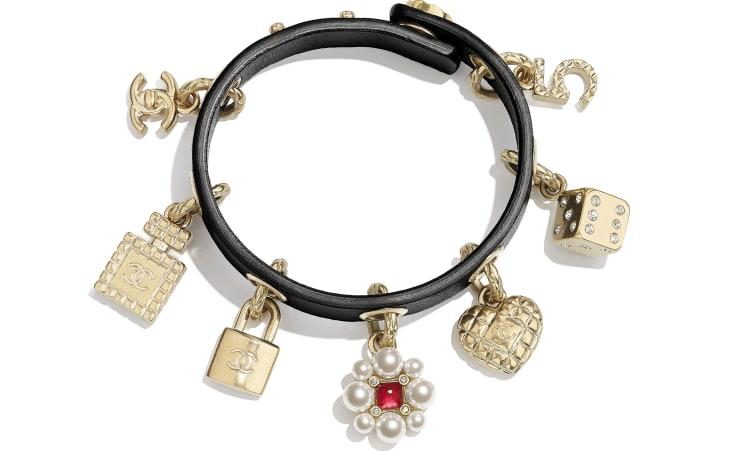 image 1 - Bracelete - Metal, pérolas de vidro, couro de novilho, strass & resina - Gold, Pearly White, Black, Crystal & Red