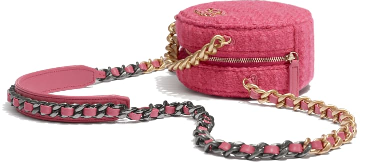 image 4 - CHANEL 19 Clutch with Chain - Wool Tweed, Gold-Tone, Silver-Tone & Ruthenium-Finish Metal - Raspberry Pink