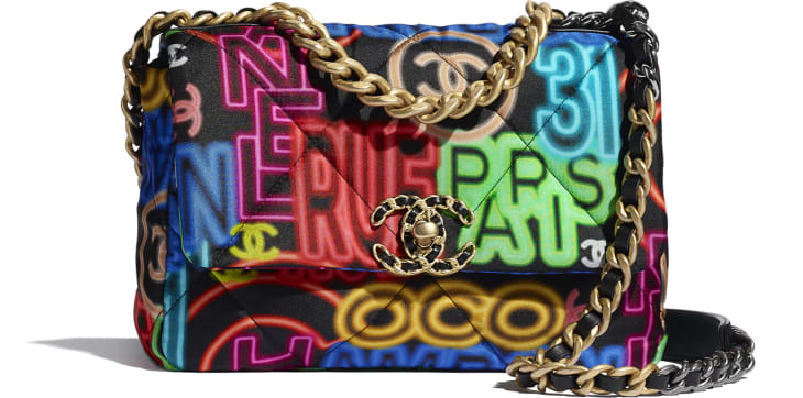 image 1 - Bolsa CHANEL 19 - Printed Fabric, Gold-Tone, Silver-Tone & Ruthenium-Finish Metal - Preto & Multicolorido