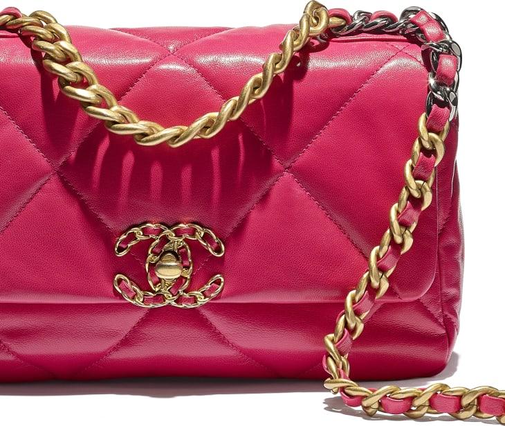CHANEL 19 Flap Bag