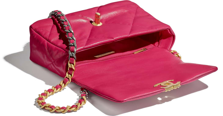 image 3 - CHANEL 19 Flap Bag - Goatskin, Gold-Tone, Silver-Tone & Ruthenium-Finish Metal - Pink