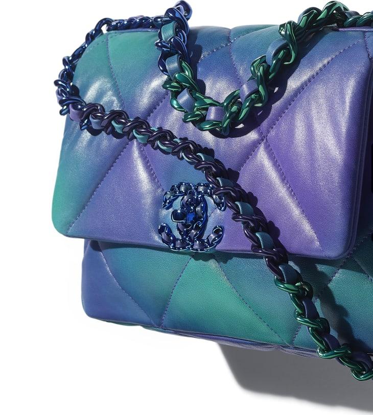 image 4 - CHANEL 19 Handbag - Tie and Dye Calfskin & Lacquered Metal - Blue & Purple