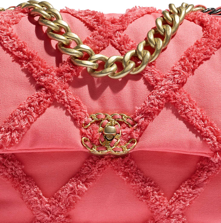 image 4 - CHANEL 19 Large Flap Bag - Cotton Canvas, Calfskin, Gold-Tone, Silver-Tone & Ruthenium-Finish Metal - Coral