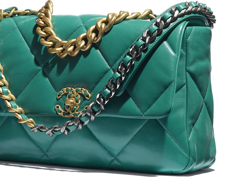 image 4 - CHANEL 19 Large Flap Bag - Lambskin, Gold-Tone, Silver-Tone & Ruthenium-Finish Metal - Green