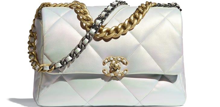 image 1 - Grand sac CHANEL 19 - Veau irisé, métal doré, argenté & finition ruthénium - Blanc