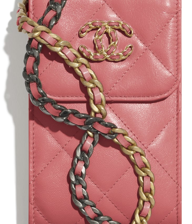 image 4 - CHANEL 19 Phone Holder with Chain - Lambskin, Gold-Tone, Silver-Tone & Ruthenium-Finish Metal - Coral