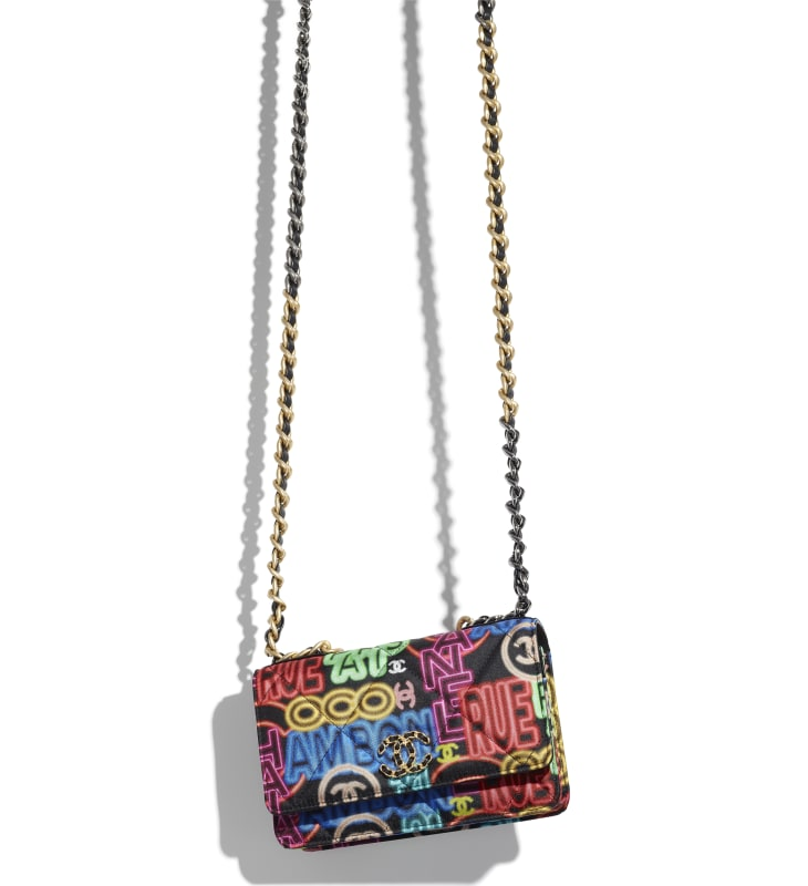image 3 - CHANEL 19 Wallet on Chain - Printed Fabric, Gold-Tone, Silver-Tone & Ruthenium-Finish Metal - Black & Multicolor