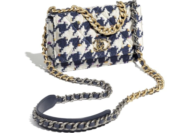 image 4 - CHANEL 19 Wallet on Chain - Tweed, Gold-Tone, Silver-Tone & Ruthenium-Finish Metal - Ecru, Navy Blue & Multicolor