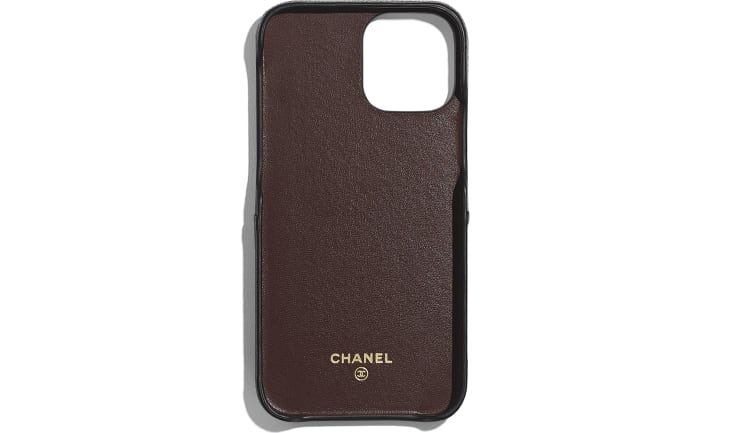 image 2 - Classic Case for iPhone XII/XII Pro - Grained Calfskin & Shiny Gold Metal - ブラック
